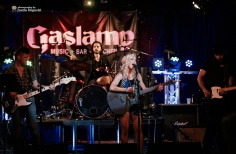 Kaela Kinney @ Gaslamp Long | Long Beach, CA | Photo by Justin Higuchi